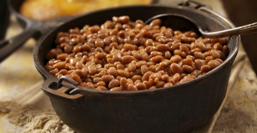 Ciência comprova que deixar feijão de molho faz bem para saúde