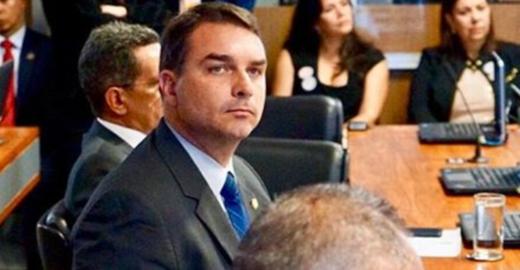 Promotoria investiga 37 imóveis no caso Flávio Bolsonaro