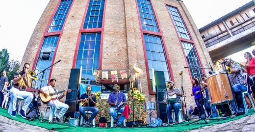 Samba do Sol encerra projeto 'Todo Domingo' na Casa das Caldeiras