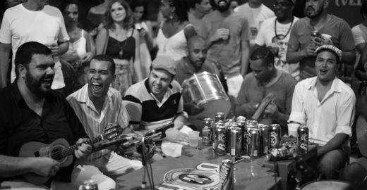 Glória ao Samba homenageia a Mangueira em show no Teatro Rival