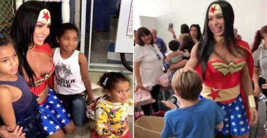 Gracyanne Barbosa vira Mulher Maravilha em festa de orfanato