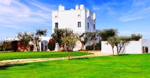 Puglia, na Itália, ganha hotel em antiga fazenda fortificada