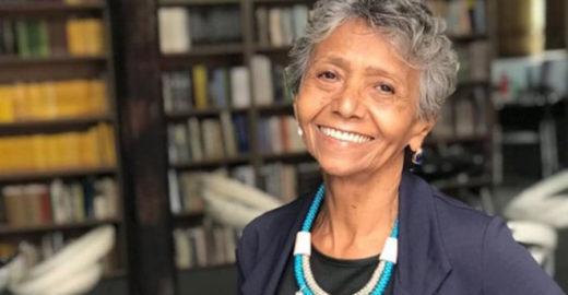 Após superar câncer, idosa faz sucesso na web com 'looks do dia'
