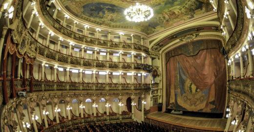 Viagem pela Amazônia inclui ópera de Puccini no Teatro Amazonas