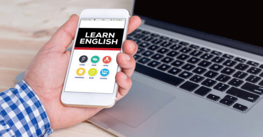 Curso on-line gratuito ensina inglês para deficientes auditivos