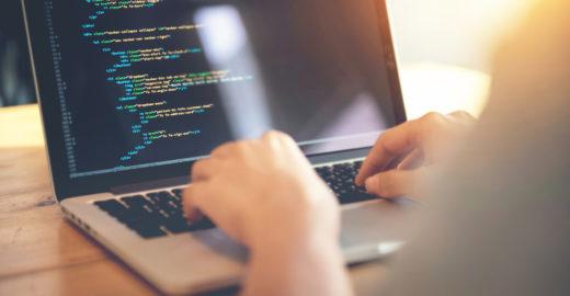 Startup oferece curso gratuito de programação para mulheres em SP