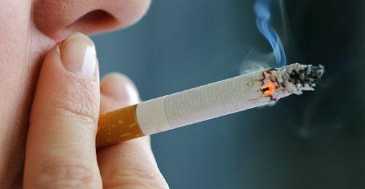 Planos de saúde tentam fazer clientes largarem vício do cigarro