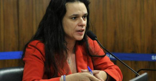 Janaina Paschoal quer cortar aliança com Bolsonaro e sair do PSL