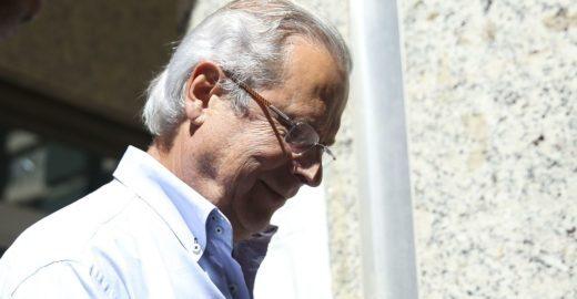 José Dirceu se entrega para cumprir pena da Lava Jato