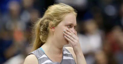 Jovem com câncer terminal realiza sonho de jogar basquete