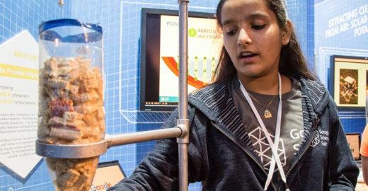 Aos 11, menina usa espigas de milho para criar filtro de água