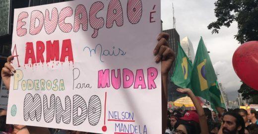 UNE organiza novo protesto nacional contra cortes na educação
