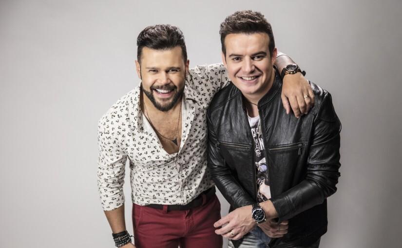 A dupla Marcos e Belutti participam da Virada Cultural no palco sertanejo, da Luz