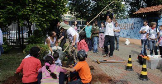 Crianças surdas aprendem sobre arborização urbana neste sábado