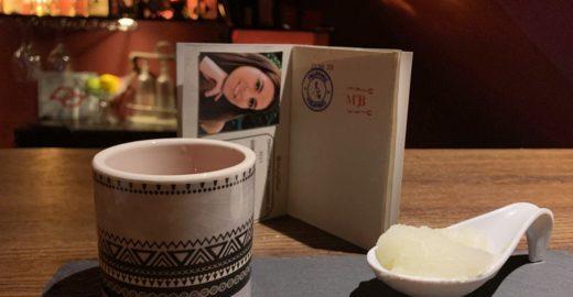Bar em SP serve drinques do mundo e até carimba um 'passaporte'