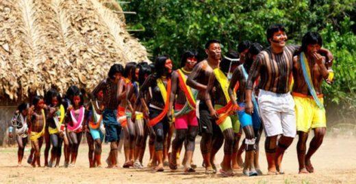 Índios da Amazônia recebem cartilha com informações sobre Aids