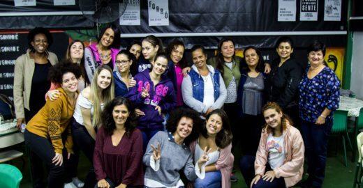 Projeto capacita jovens mulherescom tecnologia para causa social