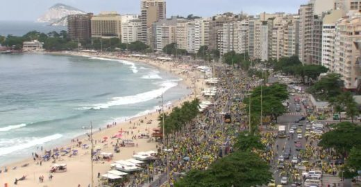 Manifestações pró-Bolsonaro ocorrem pelo país neste domingo