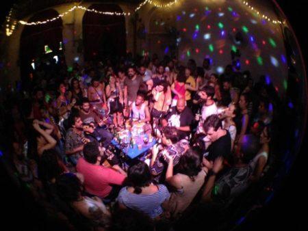 Samba da Luz é um projeto que resgata a história do samba em rodas baratinhas <3