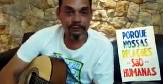 Ex-morador de rua ensina violão por R$ 80/mês e quer fundar ONG