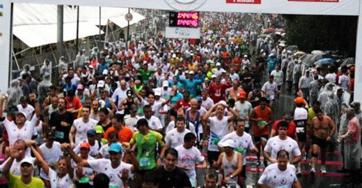 Brasileiro com paralisia cerebral faz corridas de rua e é exemplo