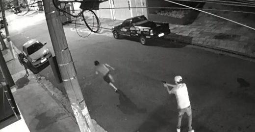 Suspeitos pela morte de morador de rua são identificados