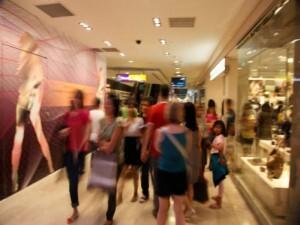 Shoppings de São Paulo e região metropolitana abrem 2250 vagas temporárias. Candidate-se
