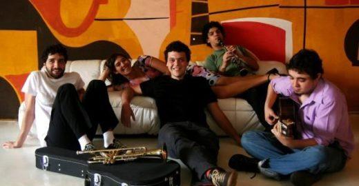 Show do grupo Pitanga em Pé de Amora, às 19h30