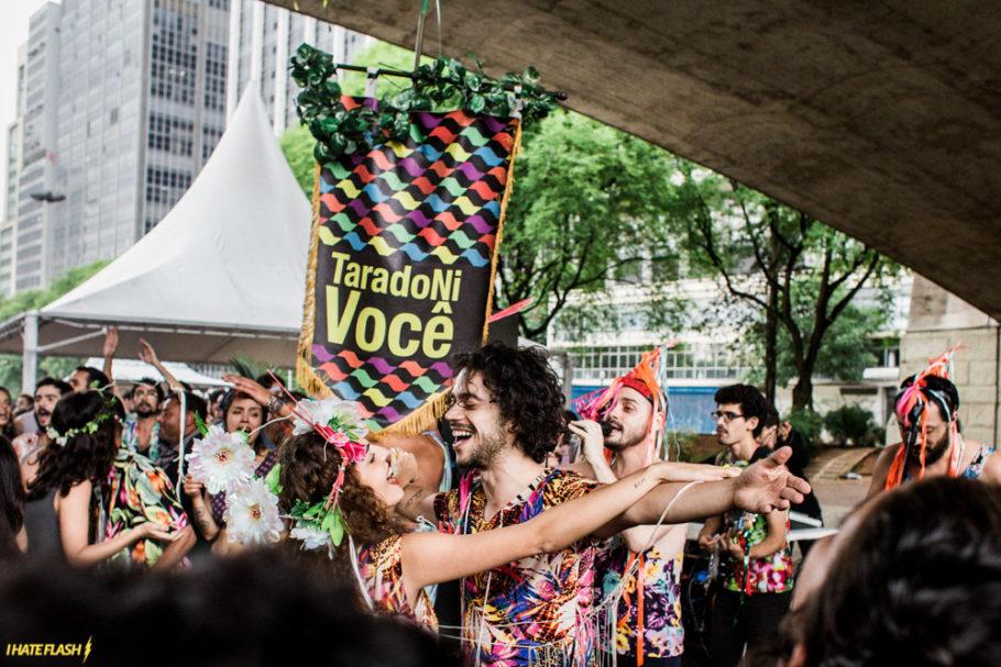 Bloco Tarado Ni Você desfila na Consolação no Carnaval fora de época da Virada Cultural