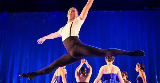 Brasileiro ganha bolsa de dança nos EUA após muito preconceito