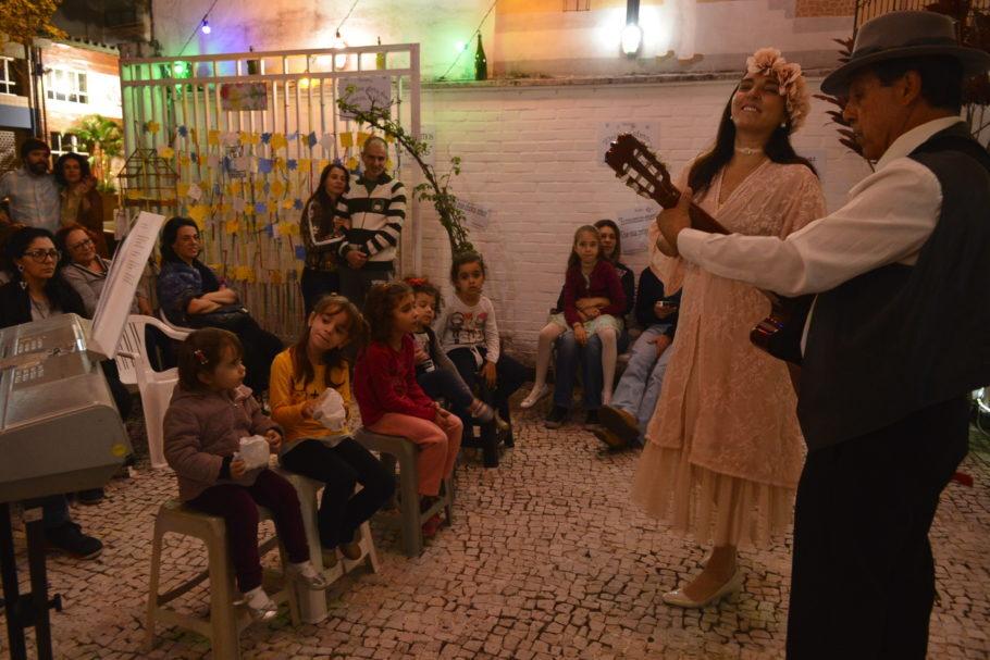 Trovadores Urbanos exaltam repertório romântico em Perdizes