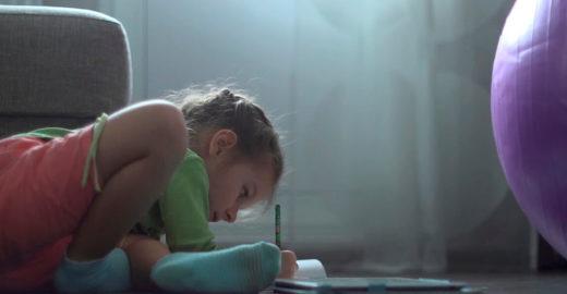 Carta inocente de menina de 8 anos emociona internautas