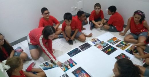 Escola usa cinema, HQs, seriados para ensinar língua portuguesa