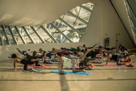 Museu do Amanhã recebe aula de yoga duas vezes por mês