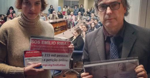 Médica entrega à Alesp 226 mil assinaturas para salvar Emílio Ribas