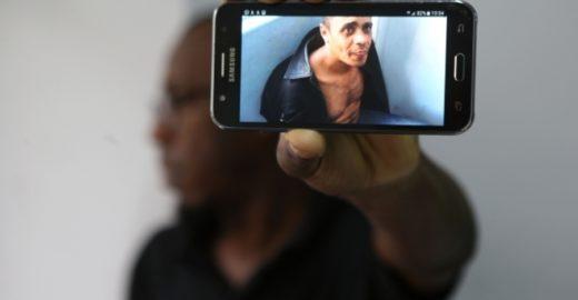 Polícia descobre quem pagou defesa do homem que tentou matar Bolsonaro