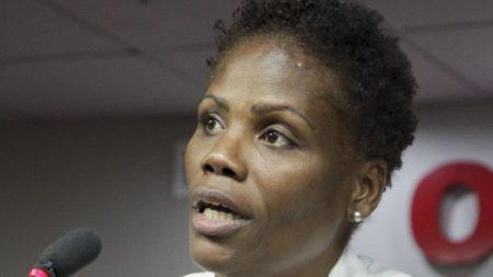 A advogada Valéria dos Santos, que foi algemada durante uma audiênciano 3º Juizado Especial Cível de Duque de Caxias