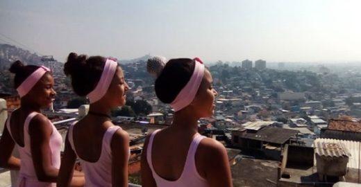 Meninas se unem para construir escola de balé no Complexo do Alemão