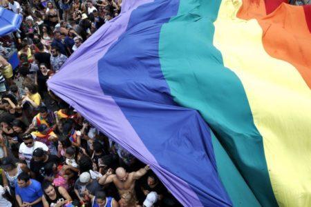 Rio de Janeiro – 22ª Parada do Orgulho LGBTI, na Praia de Copacabana. (Tânia Rêgo/Agência Brasil)