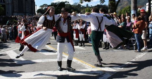 Bauernfest celebra a Alemanha com atrações 0800 em Petrópolis