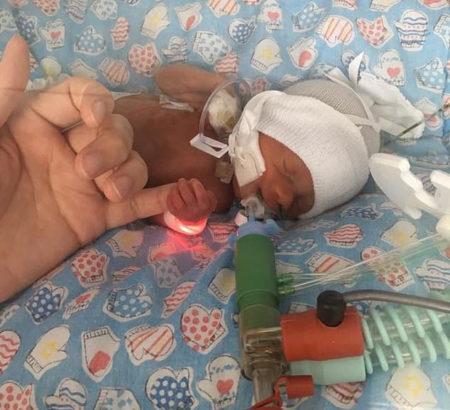 menino recém-nascido