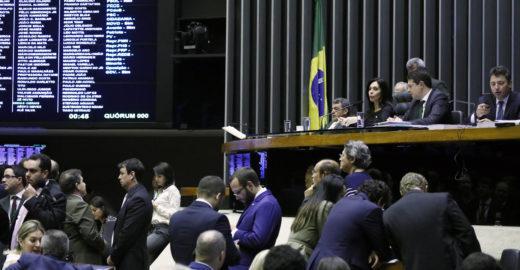 Deputados gastaram R$ 2 milhões com viagens em quatro meses