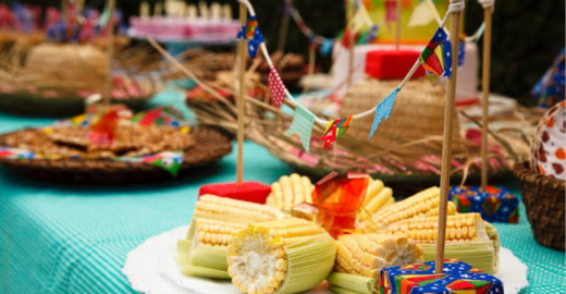 Hamburgueria faz festa junina com open de comida e bebida típicas