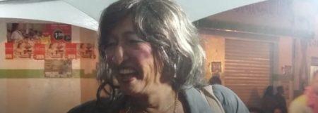 Travesti é morta a pauladas e tem corpo incendiado na Bahia