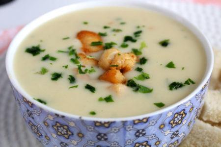 Sopa cremosa de frango e batata