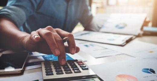 Concursos públicos na área fiscal têm salários de até R$ 19 mil