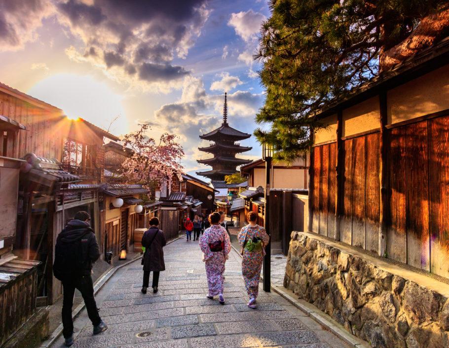 Kyoto vem sofrendo com o turismo de massa nos últimos anos