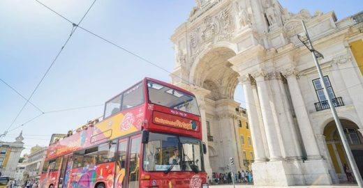 Conhecendo Lisboa de ônibus turístico, o famoso Hop On/Hop Off