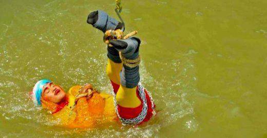 Morre afogado mágico que tenta refazer truque de Houdini