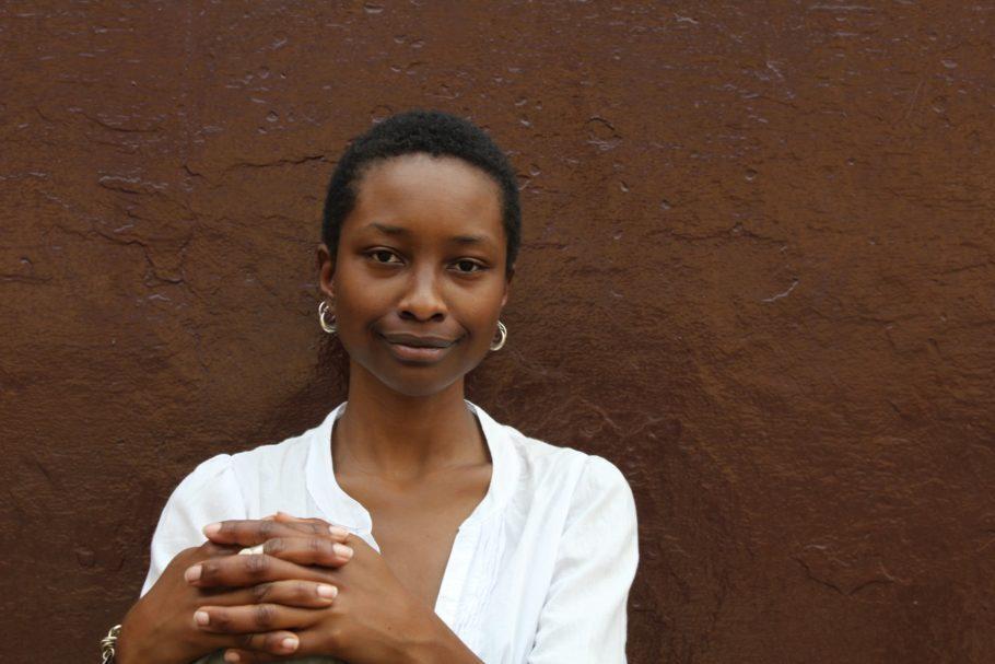 Hawa Essuman é cineasta e trabalhou com documentários e comerciais de TV antes de dirigir a série televisiva queniana Makutano Junction. Seu longa Soul Boy (2010) foi exibido em mais de 40 festivais de cinema ao redor do mundo. O documentário